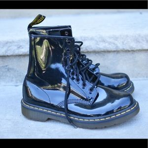 DR. MARTENS Women's 1460 W PATENT Leather BOOT